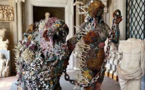 locandina di Damien Hirst in mostra alla Galleria Borghese con oltre 80 opere