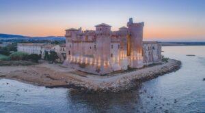 locandina di Il Castello delle Meraviglie a Santa Severa con eventi in riva al mare